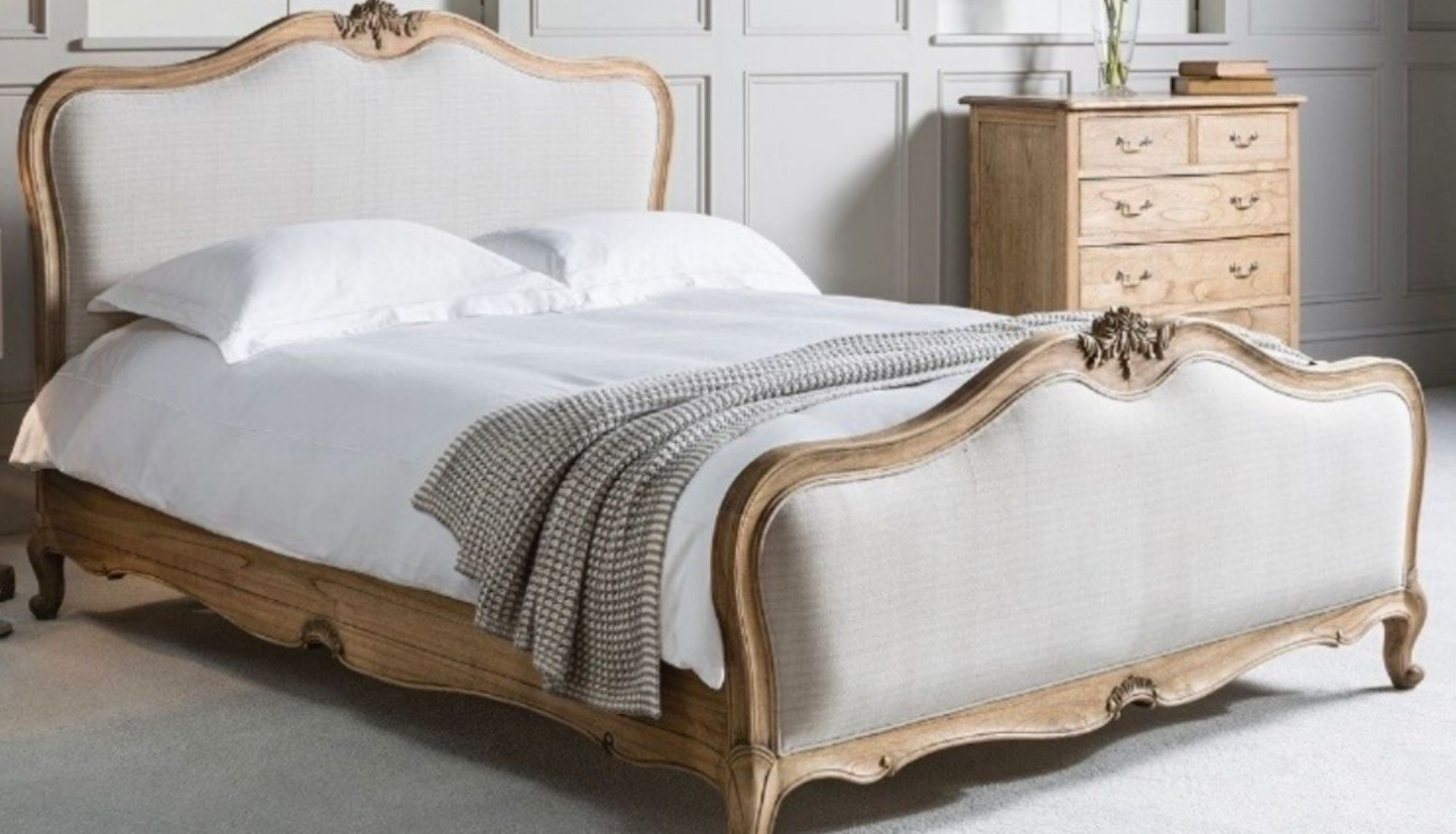 chic weathered oak bed
