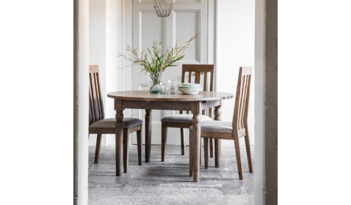 cookham round extending dining table oak meath